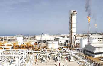 Iran plans to produce 100,000 bpd from Azar shared oilfield
